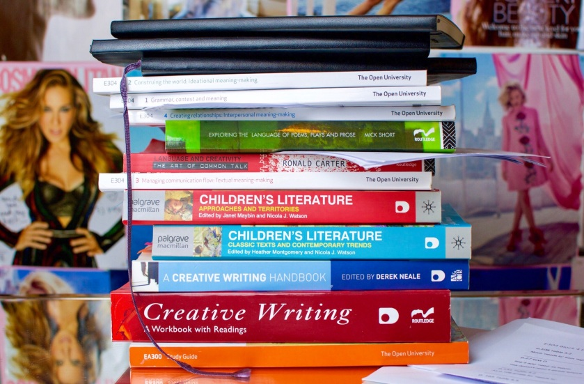 open university creative writing reading list The ma in creative writing is for serious, ambitious writers who want to study fiction and poetry (exclusively or together).